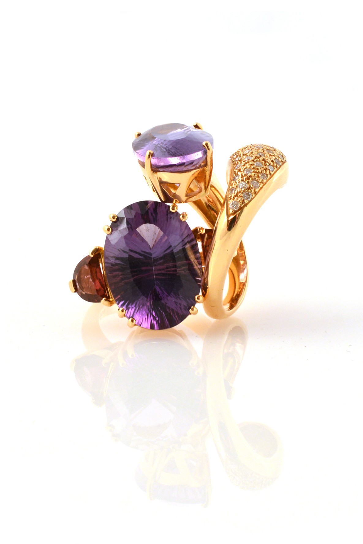 18 Carat Rose Gold: 18-CARAT ROSE GOLD, AMETHYSTS AND DIAMONDS
